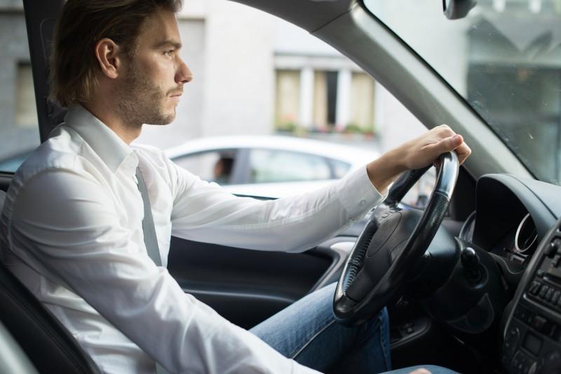 بیدار ماندن در رانندگی طولانی