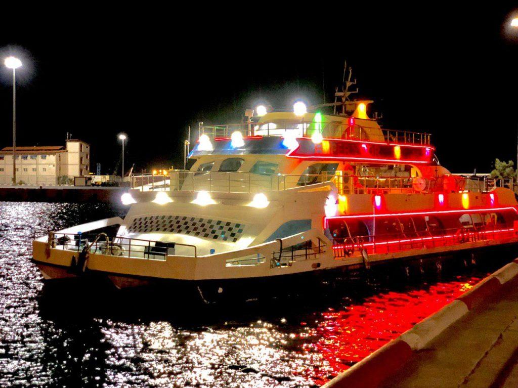 کشتیهای تفریحی کیش - رنت اتو