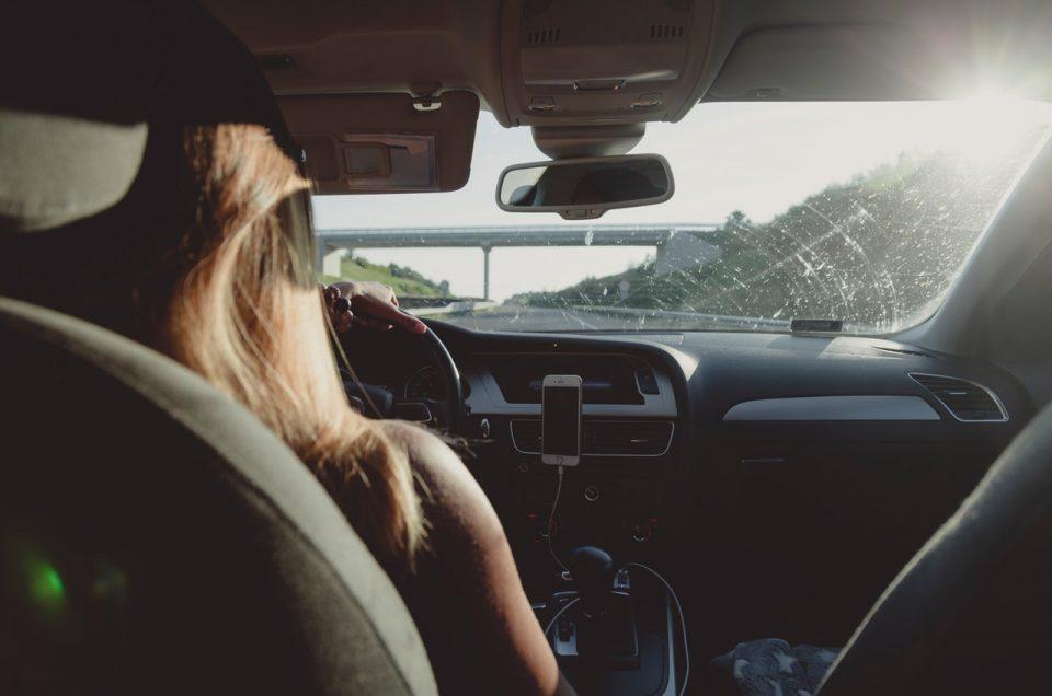 اشتباهات رایج در هنگام رانندگی - رنت اتو